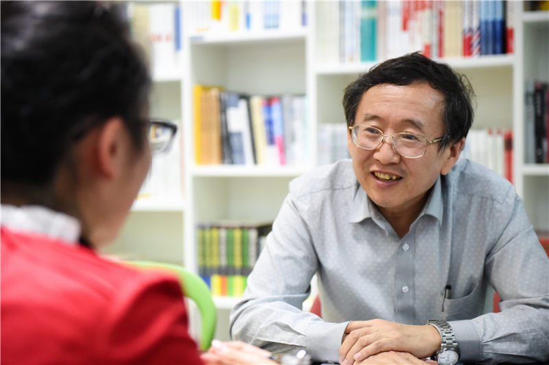 Interview with Chair Rong Yiming of Mechanical and Energy Engineering: Innovations are Very Important for Mechanical Engineering