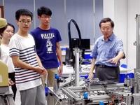 南科大南山车队学生参观深圳市职业技术学院