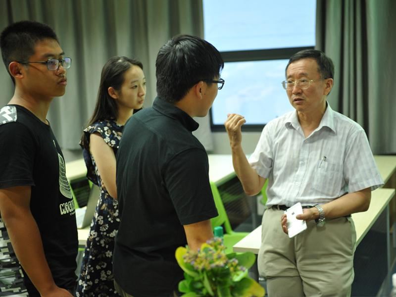 机械与能源工程系专业介绍会——系主任融亦鸣出席并主持会议
