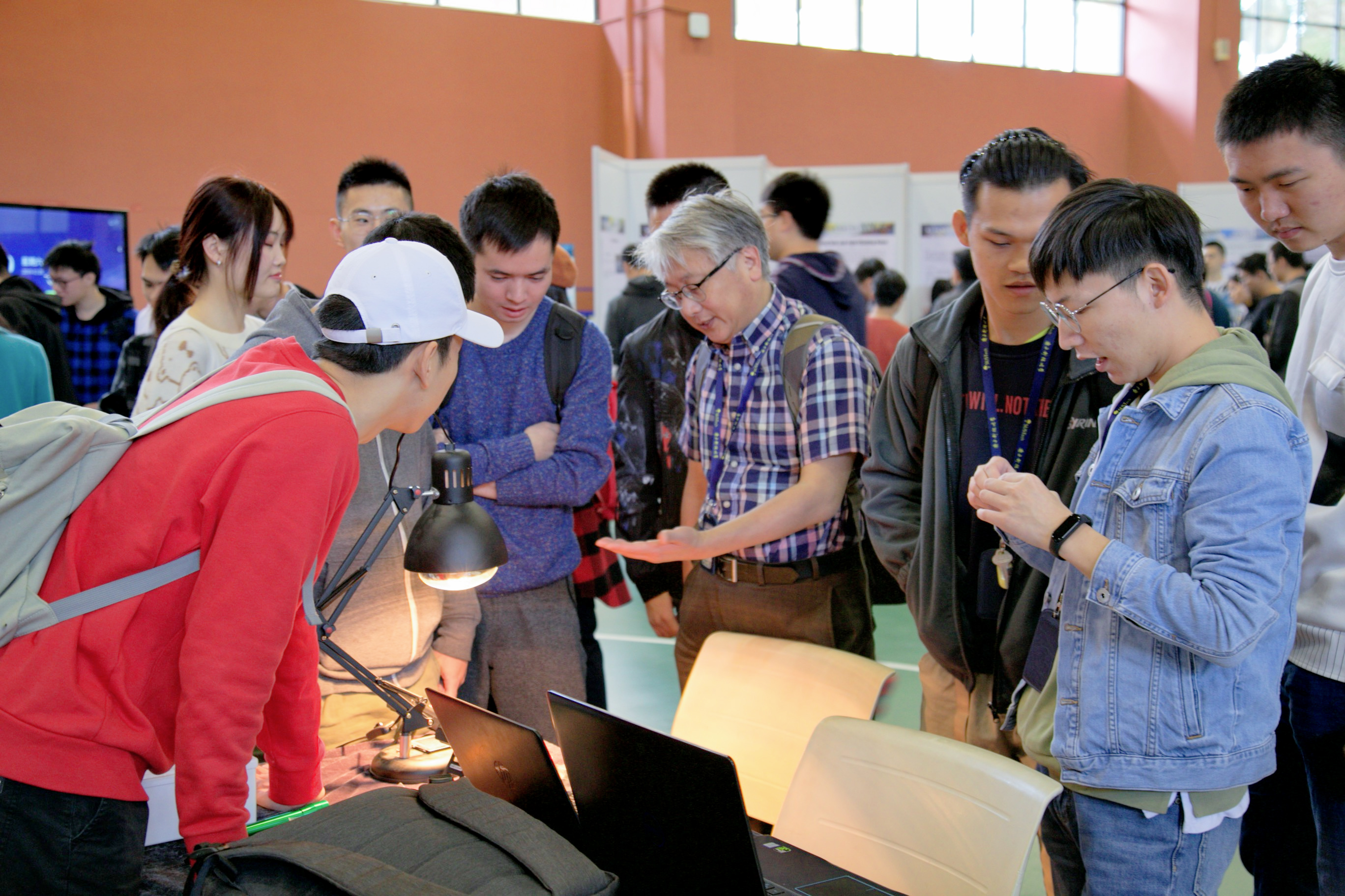 MEE holds emerging engineering project exhibition